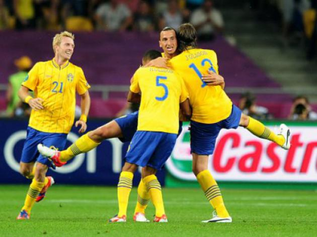 Ibra steers Sweden to win whilst shock in Denmark
