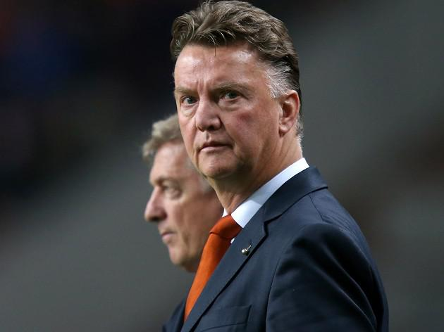 Van Gaal plots future in England