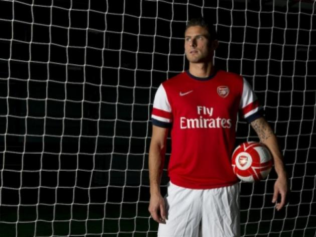 Arsenal complete the signing of Olivier Giroud