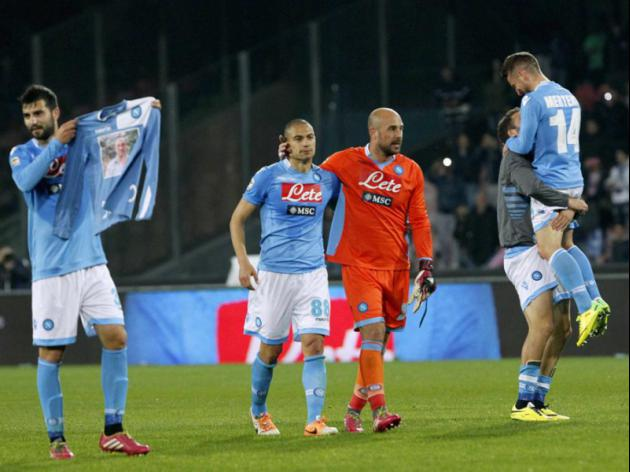Napoli stun Juve to spark life into title race