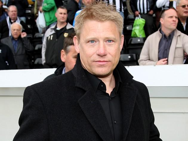 Schmeichel makes United transfer warning