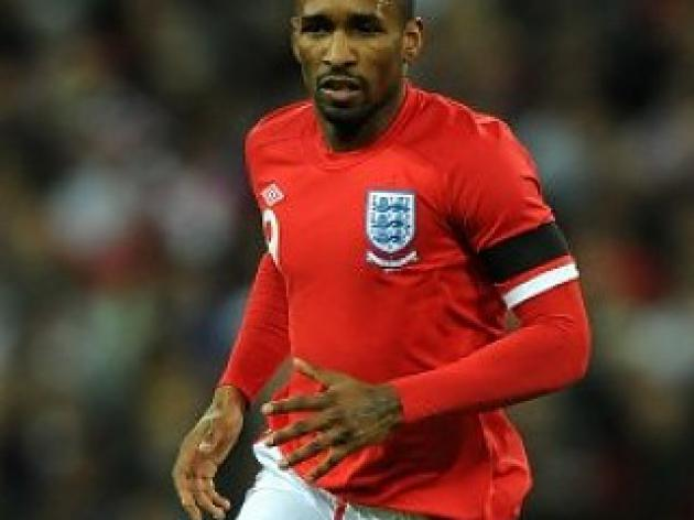 Poll result - Defoe should partner Rooney