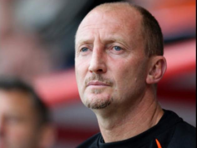 Holloway happy with clean sheet