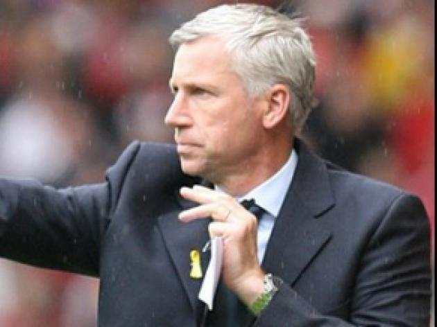 Pardew set to tinker against Hatters
