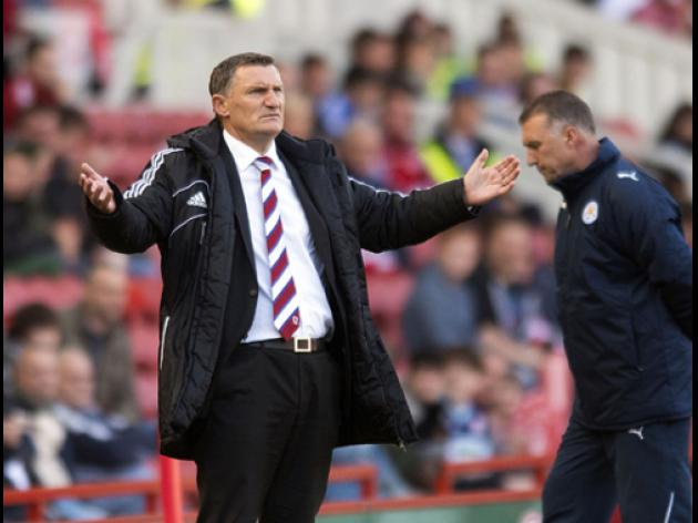 Mowbray: Officials cost us the win