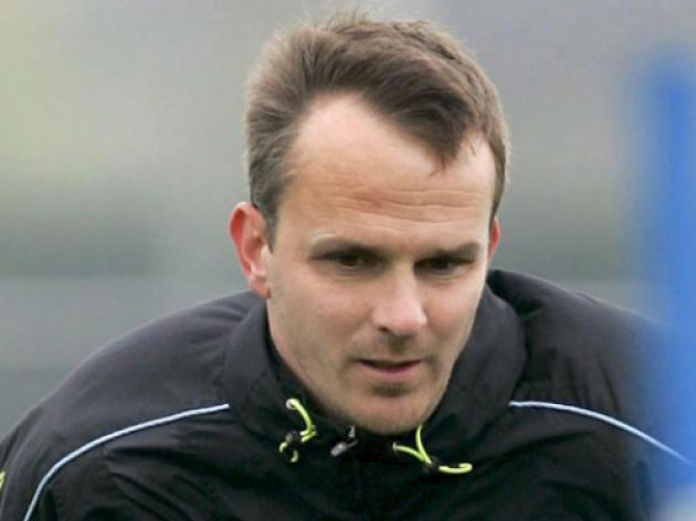 Hamann quits as Stockport manager