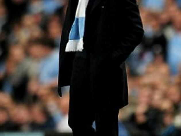 Manchester City boss Roberto Mancini targets Premier League title