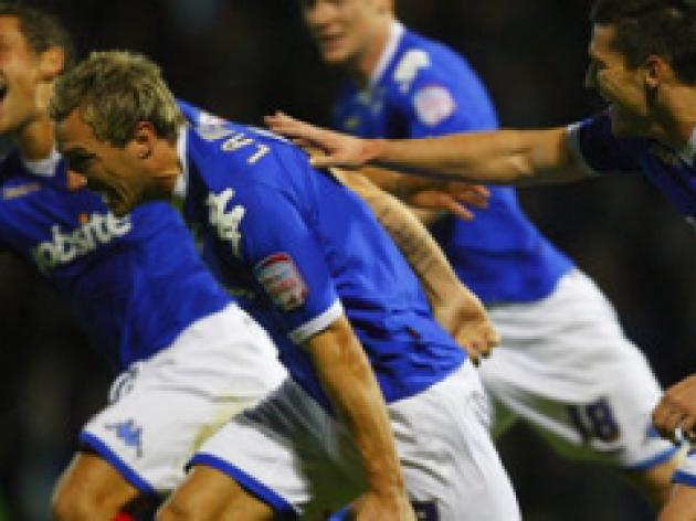 Pompey run riot to climb off bottom