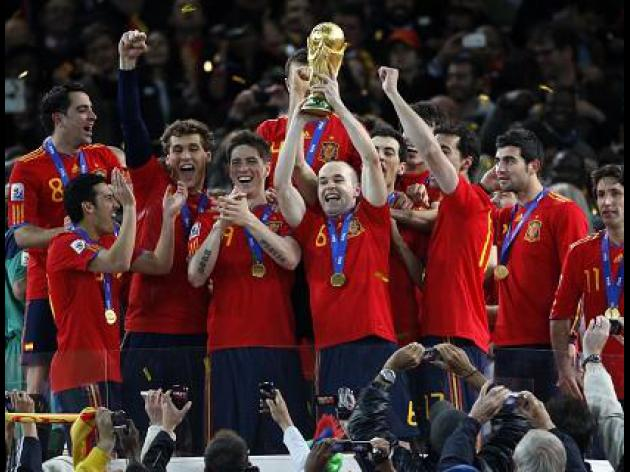 Spain greets World Cup heroes