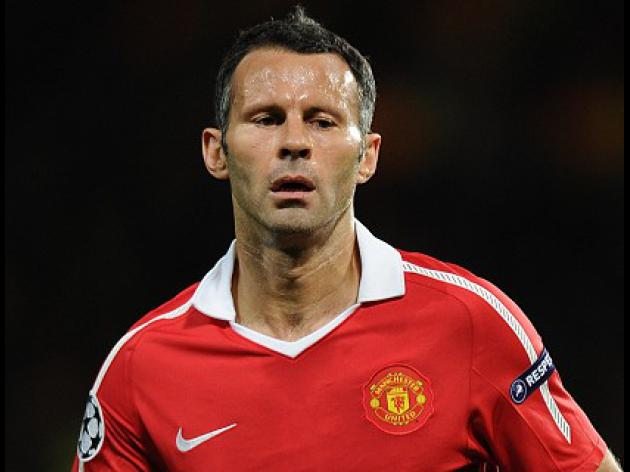 Giggs plans to play for another season