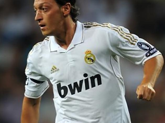 Top 10 Midfielders of 2012: 5 - Mesut Ozil