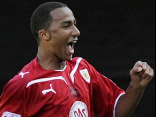 Robins win five-goal Oakwell thriller