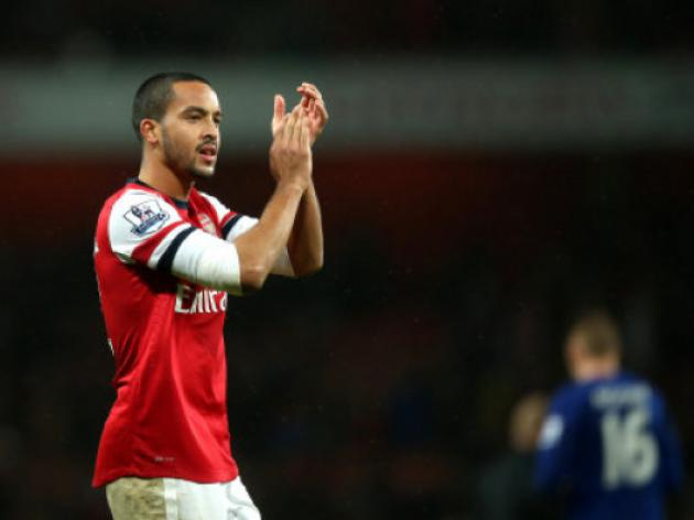 Liverpool offered Suarez to Arsenal for Walcott plus 40 million pounds