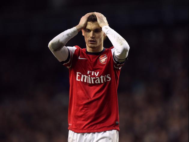 Thomas Vermaelen loses no 5 shirt as he edges towards Man United future