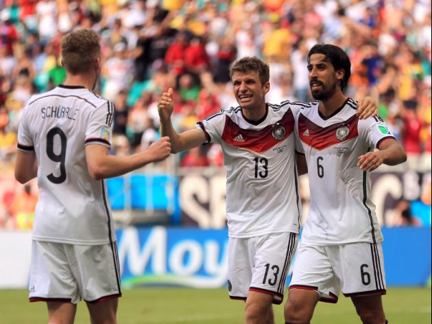 Muller outguns Ronaldo as Germany win