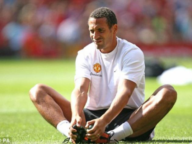 Crock Ferdinand ruled out for a month as United's early problems escalate