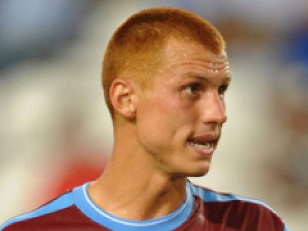 Sidwell makes Villa return