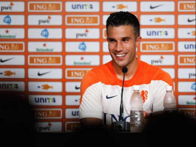 van Persie Plays Down Injury Fears