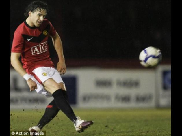 Owen Hargreaves finally makes his comeback for United reserves