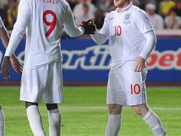 Emile Heskey praises Wayne Rooney as England look to shoot down Andorra