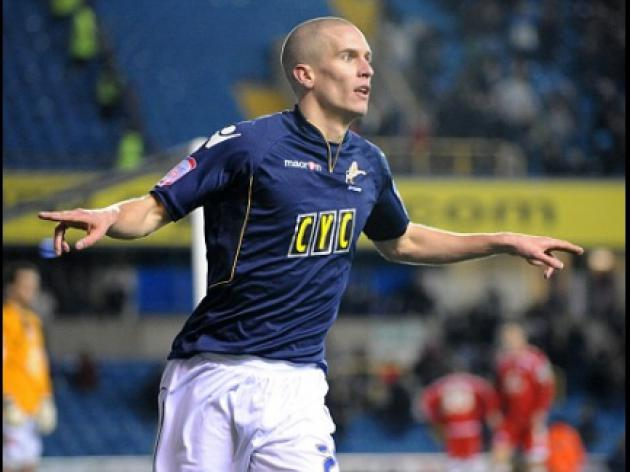Kenny Jackett tells in-demand striker Steve Morison: Sign a new deal and stay at Millwall