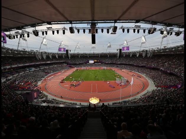 Hurst in favour of Olympic Stadium move