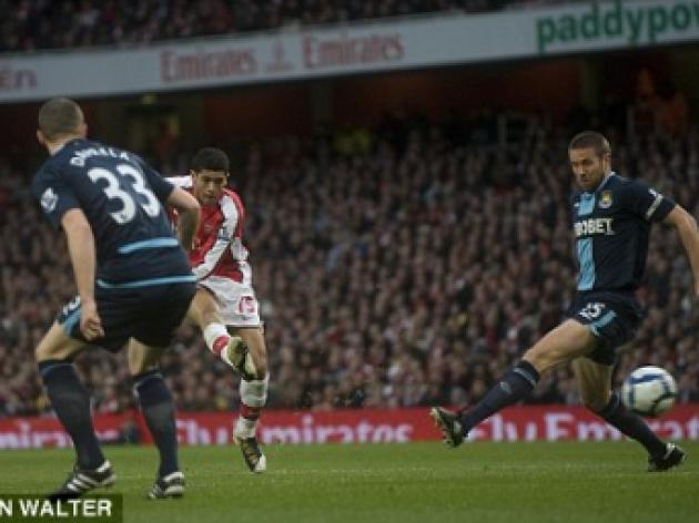 Arsenal 2 West Ham 0: Fabregas bans Barca talk to focus on title charge