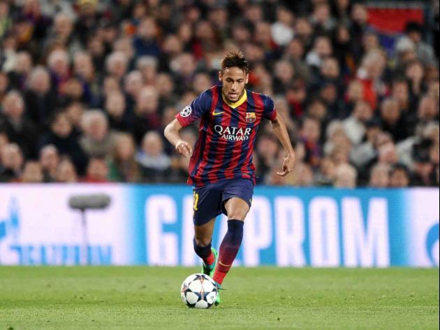 Demands on Neymar unrealistic, claims Alves