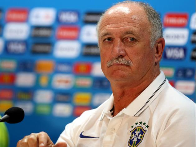 Scolari: We're playing for Neymar