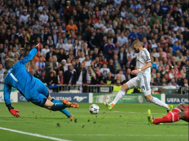 Benzema gives Real a lead