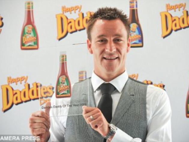 DES KELLY: Captain Chav John Terry is now England's Daddy Fool