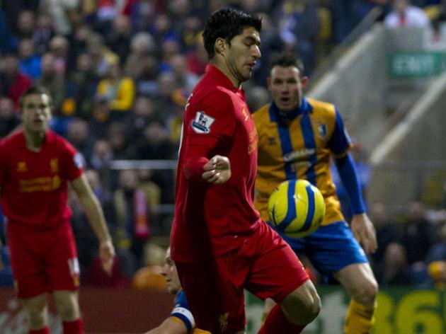 Handball controversy triggers mindless Suarez bashing