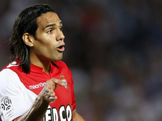 Falcao swoops again as Monaco back top of Ligue 1