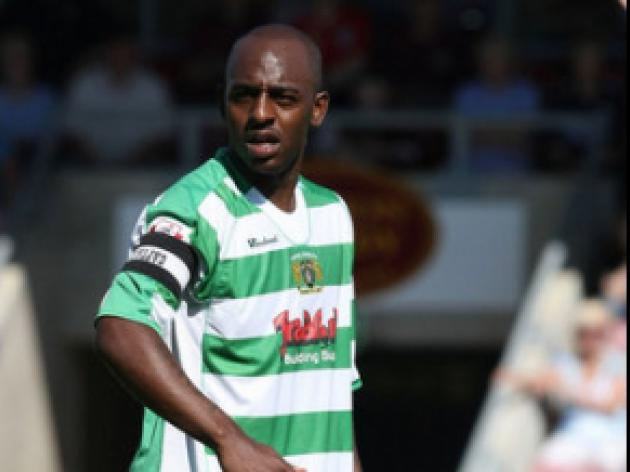 Glovers pair land new contracts