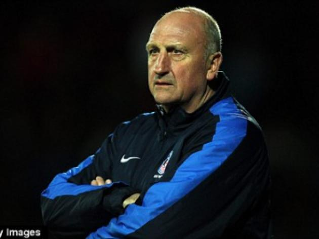 Palace boss Paul Hart tipped for youth role at Tottenham