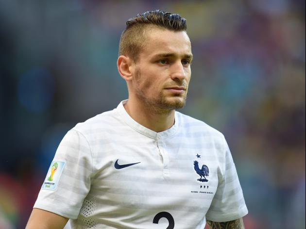 Gunners close in on Debuchy
