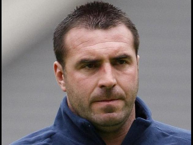 Unsworth takes charge at Preston