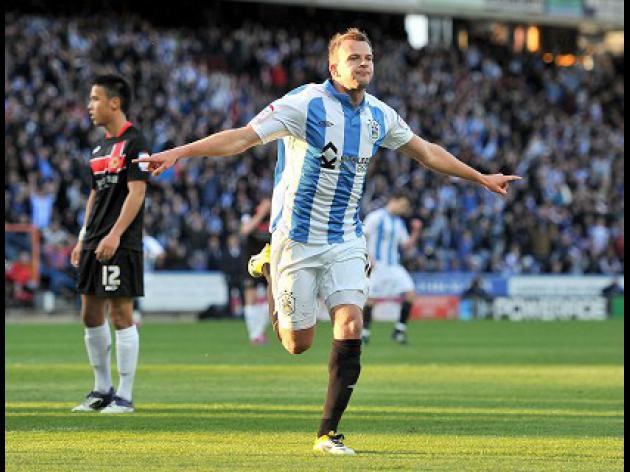 Huddersfield V Sheff Utd at Wembley Stadium : Match Preview