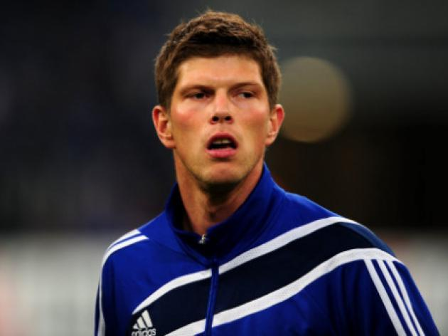Livepool eye Klaas Jan Huntelaar as Carroll replacement