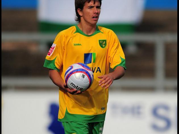 Francomb gets new Norwich deal