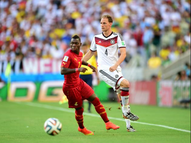 Everton target Chelsea's Christian Atsu as Roberto Martinez looks for a new winger