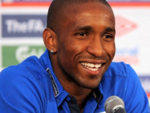 Defoe down after England snub