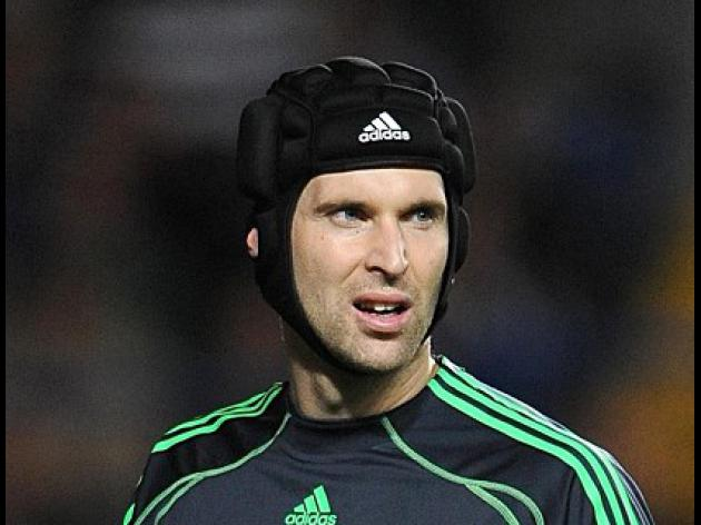 Cech wants long-term future with Chelsea