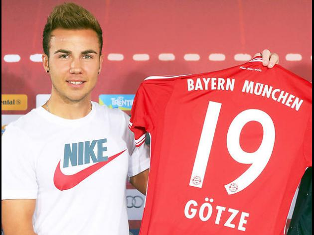 Bayern red-faced by Goetzes T-shirt blunder
