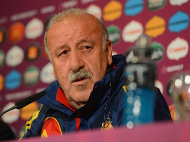 Del Bosque says Spain must do better