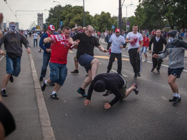 Jail terms for Polish, foreign fans at Euro 2012