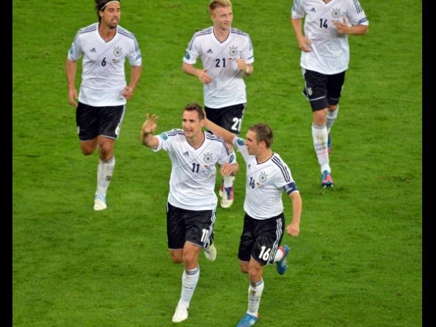 Germans beat Greeks, reach semi-finals