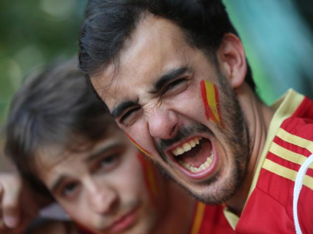 Spaniards revel in street after win over France