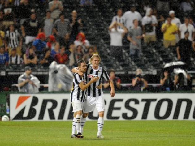 Pasquato goal lifts Juventus over Club America