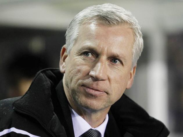 Newcastle boss Pardew offers Barton way out
